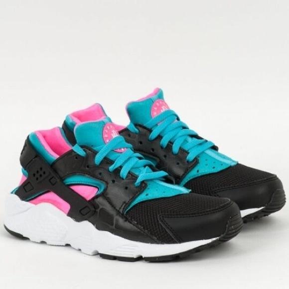 Nike Huarache Run GS BlackWhitePink 5.5Y NWT